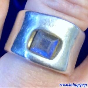 Handcrafted .925 Silver w Opal/moonstone ring